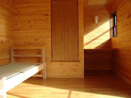 木のぬくもりを感じる寝室