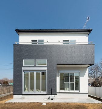 01.白い家