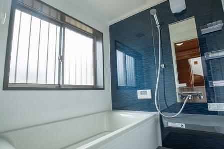 23.清潔感のある浴室
