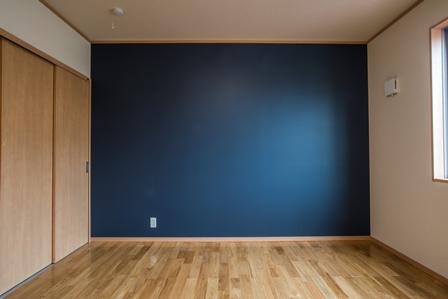 21.部屋の一面の色を変えると部屋の雰囲気が変わります。